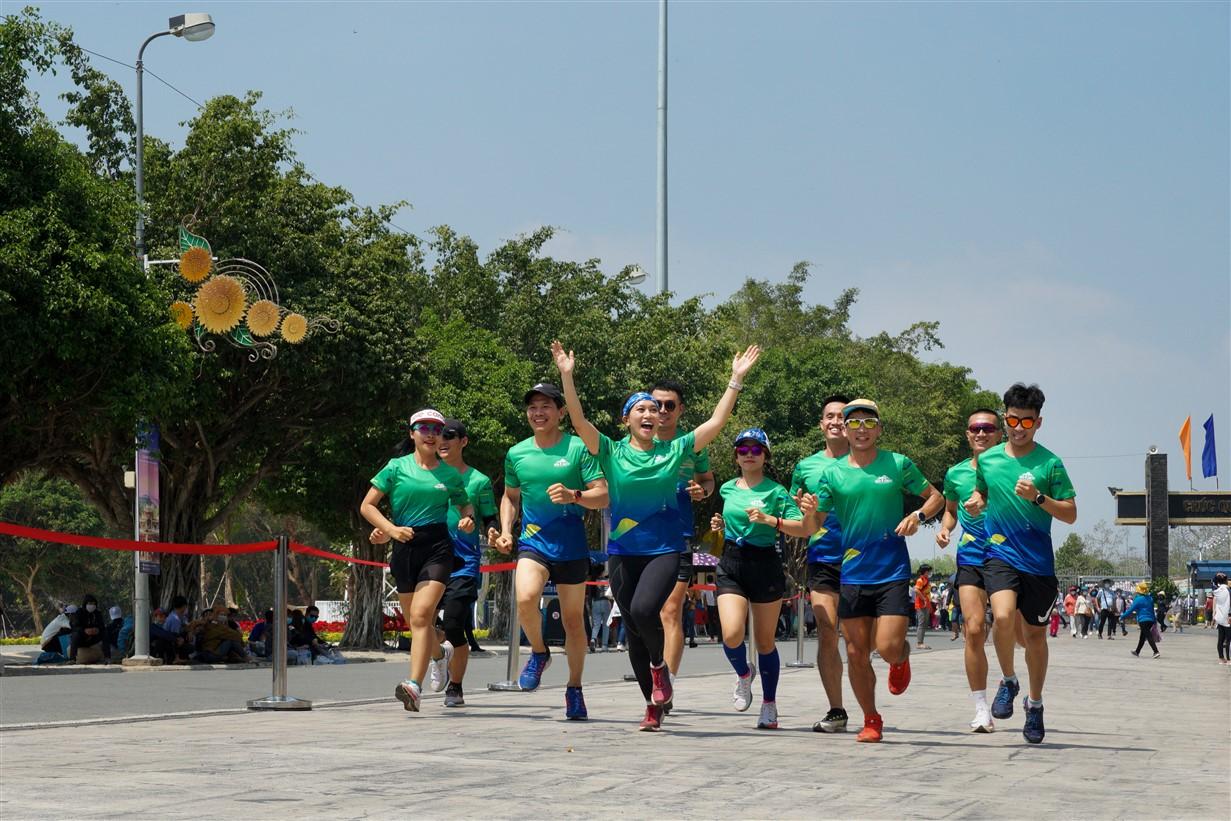 Giải chạy BaDen Marathon 2021 diễn ra ở Tỉnh Tây Ninh