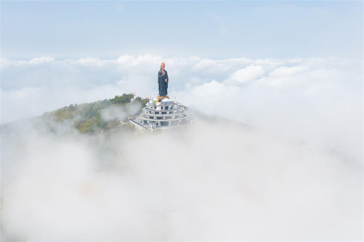 Tượng Phật bà đạt kỷ lục Châu Á trên đỉnh núi Bà Đen