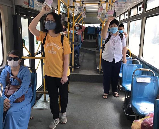 Dự kiến, xe buýt trên địa bàn Hà Nội sẽ được hoạt động dần trở lại từ ngày 21/9 tới đây, tuy nhiên cả hành khách là lái xe, phụ xe phải đáp ứng một số tiêu chí phòng chống dịch