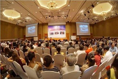 Nhiều buổi hội thảo về bán hàng đa cấp thu hút hàng ngàn người tham dự
