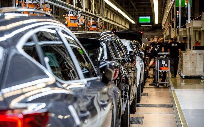 Ngành công nghiệp ô tô bốc hơi 210 tỷ USD vì thiếu hụt chip