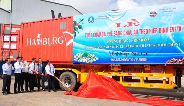 """Một năm sau khi thực thi Hiệp định đã đem lại những """"trái ngọt"""" ban đầu và là động lực mạnh mẽ thúc đẩy quan hệ hợp tác Việt Nam – EU trong thời gian tới."""