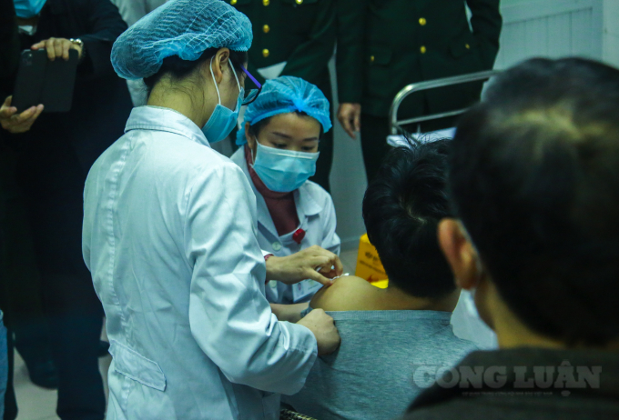 Vắc xin Nanocovax được kỳ vọng sẽ giúp đẩy lùi dịch bệnh tại nước ta (ảnh Quang Hùng).