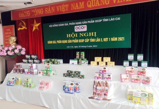 Một số sản phẩm của thị xã Sa Pa (Lào Cai) vừa được công nhận đạt tiêu chuẩn sản phẩm OCOP. Ảnh: N.T