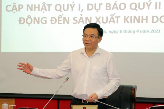 Tổng Giám đốc Petrovietnam Lê Mạnh Hùng phát biểu tại tọa đàm