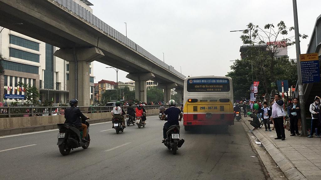 Những xe buýt cũ nhả khói đen sẽ được thay thế với đội xe mới thời gian tới.