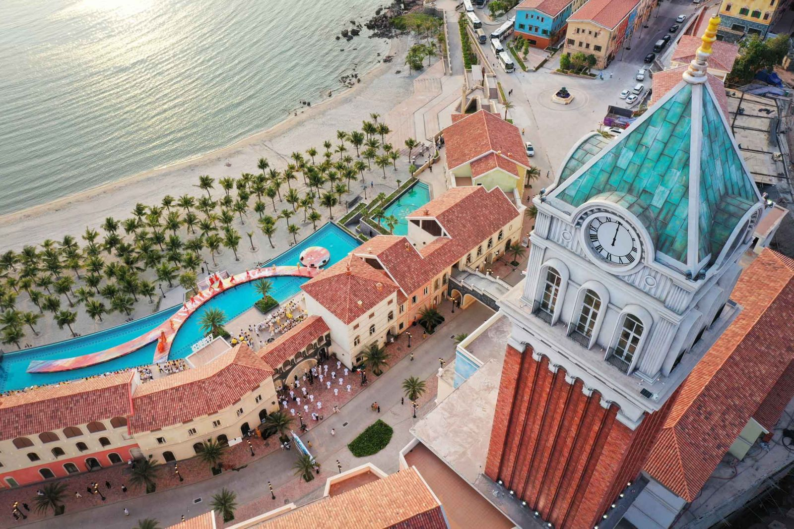 Dự án Central Village với kiến trúc Địa Trung Hải ấn tượng tại Nam Phú Quốc