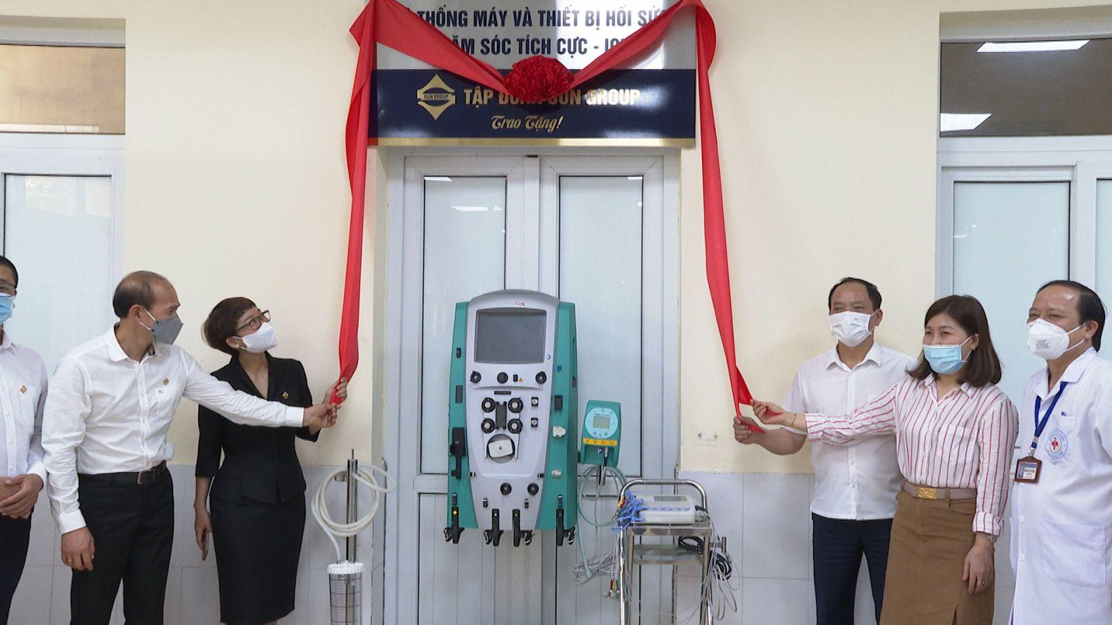 Lễ bàn giao hệ thống máy và thiết bị hồi sức tích cực của Sun Group cho BVĐK Hưng Yên (4)