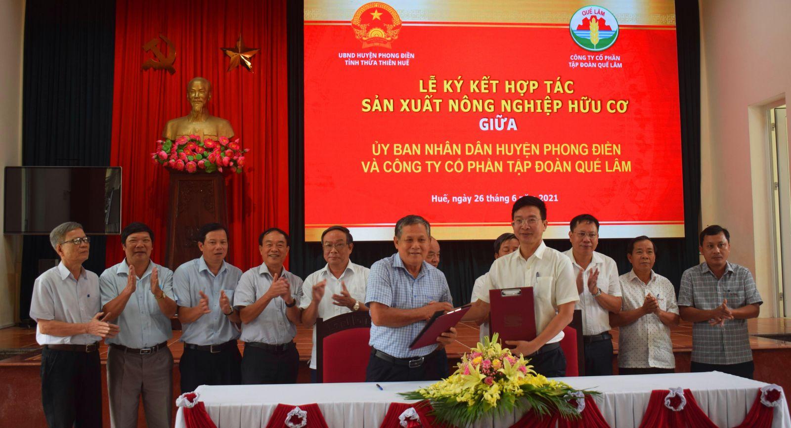 UBND huyện Phong Điền và Tập đoàn Quế Lâm ký kết biên bản thỏa thuận hợp tác