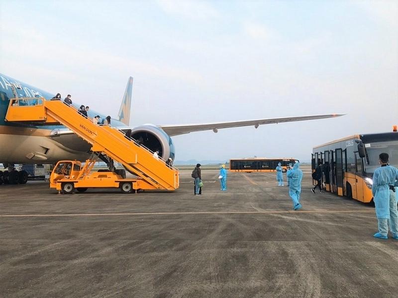 Đề nghị gia hạn thời gian đóng cửa tạm thời sân bay Vân Đồn