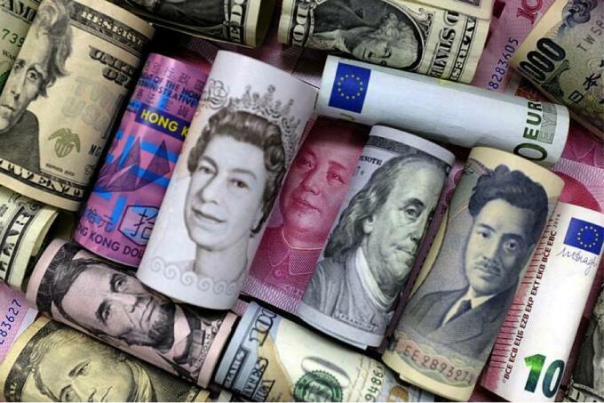 Mức nợ khổng lồ là rủi ro với kinh tế toàn cầu, đặc biệt khi IIF dự báo con số năm nay còn tăng lên. Ảnh: Getty