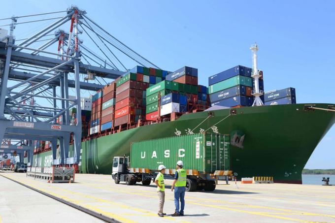Sản lượng hàng hóa thông qua cảng biển tăng 17% trong tháng đầu năm