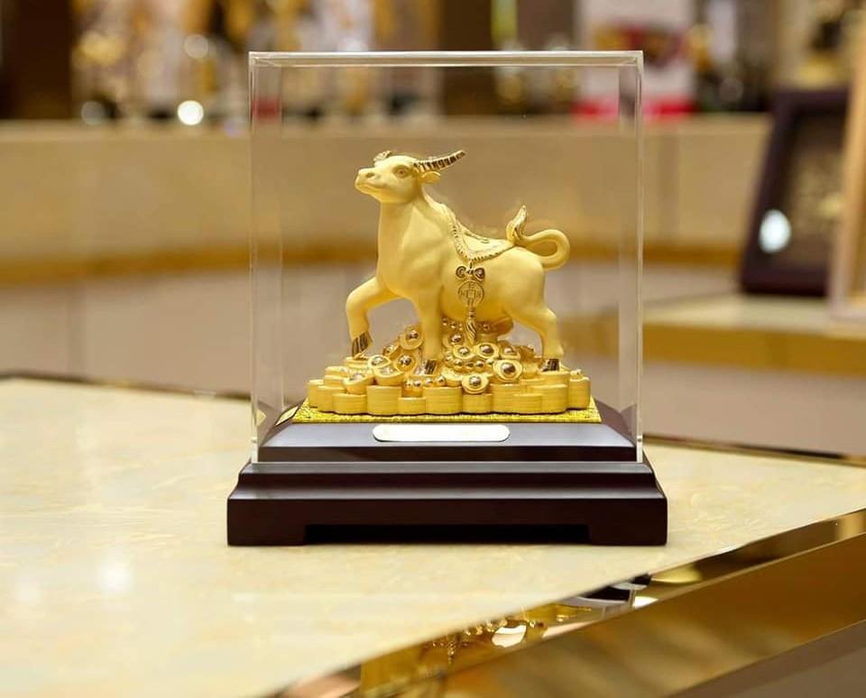 Trâu vàng- linh vật của năm Tân Sửu 2021