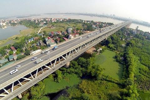 Khôi phục lộ trình 16 tuyến xe buýt sau khi thông xe cầu Thăng Long
