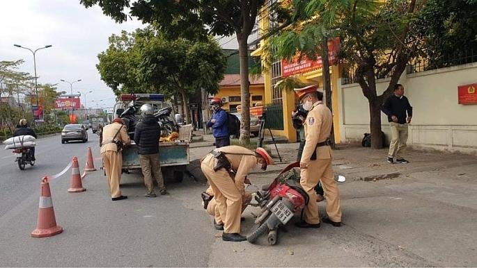 Lực lượng CSGT thực hiện nghiêm đợt cao điểm đảm bảo trật tự an toàn giao thông, trật tự xã hội