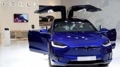Tesla bán được gần 500.000 xe điện trong năm 2020
