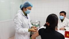 Hà Nội triển khai tiêm vắc-xin phòng Covid-19 cho người dân từ 18 đến 65 tuổi