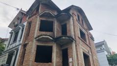 Cần mạnh tay đánh thuế biệt thự bỏ hoang