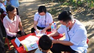 Lợi dụng khám chữa bệnh nhân đạo để bán thực phẩm chức năng