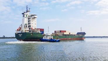 Cảng Chu Lai đón những chuyến hàng đầu tiên trong năm mới Tân Sửu