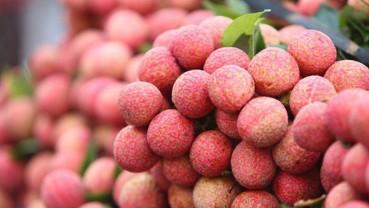 """Lần đầu tiên, cán bộ quản lý thị trường ra """"chợ"""" trực tiếp bán nông sản"""