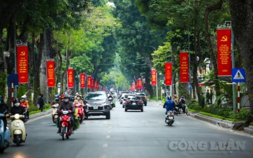 Hà Nội: Đường phố rực rỡ cờ hoa chào mừng Đại hội đại biểu toàn quốc lần thứ XIII của Đảng