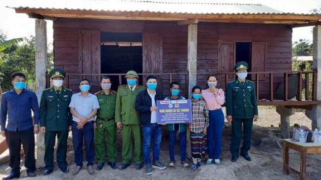 Quảng Trị: Bị sập nhà trong lũ, đến nay đôi vợ chồng Vân Kiều có nhà mới đón Tết