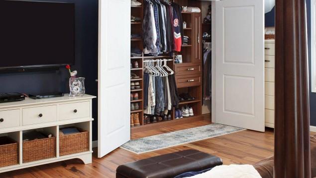 3 mẹo nhỏ giúp tủ quần áo nam giới gọn gàng và phong cách hơn